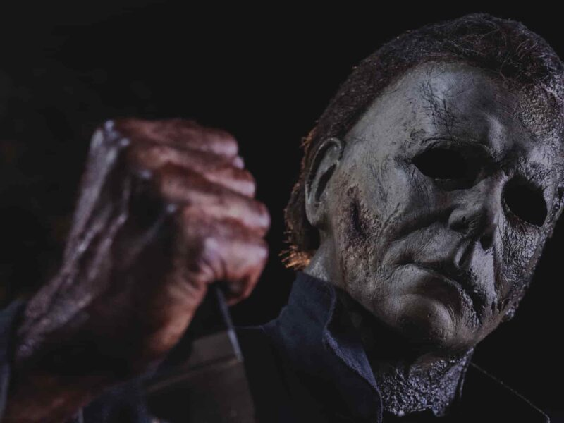 'Halloween' is one of the most celebrated horror franchises of all time. Rip open the story and see if 'Halloween H20' is the sleeper hit of the series.