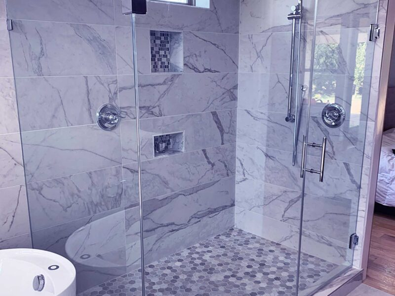 Glass shower doors are elegant and stylish, but they can also be costly. Learn the facts and choose a reputable glazier to install your glass doors!
