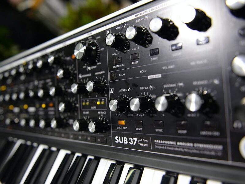 The Behringer Model D keyboard is leading a synth revolution. Learn more about the keyboard here.